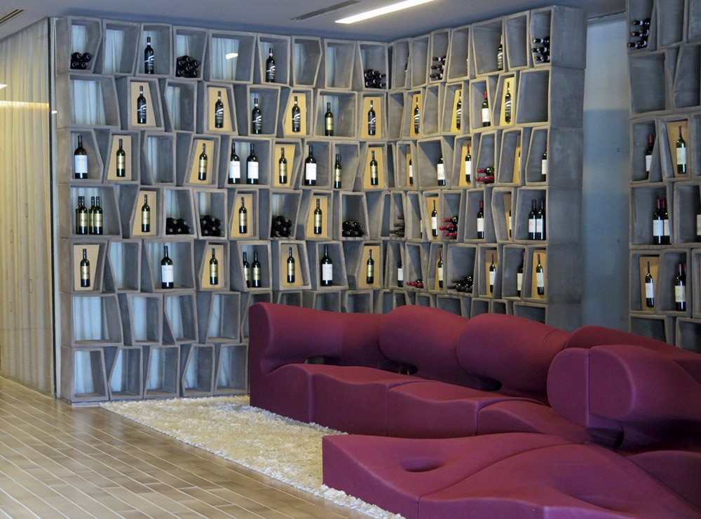 9_red-sofa